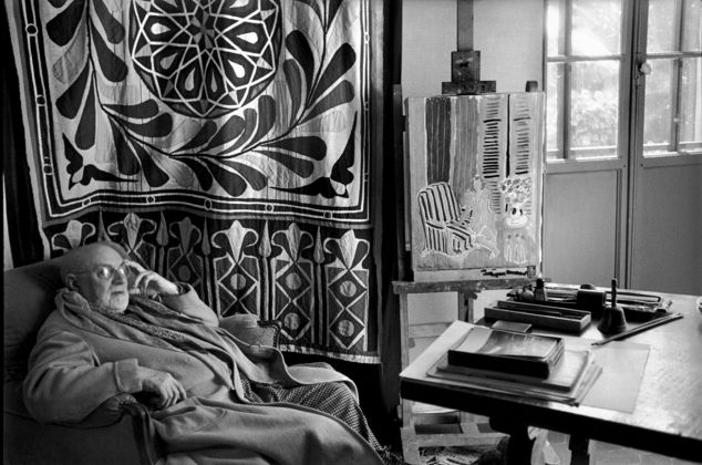 Henri Cartier Bresson, Matisse at home in front of his egyptian curtain, Villa La Reve, Vence, 1944