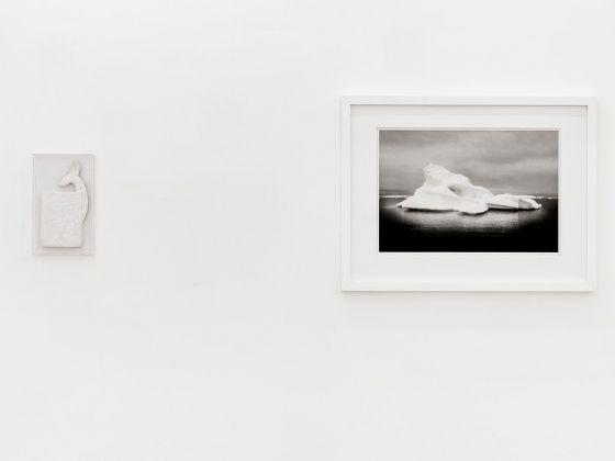 Iginio Iurilli, Moby Dick, 1998. Courtesy Ettore Chiurazzi - Francesco Bosso, Diamond (Greenland), 2015. Courtesy l'artista. Photo © 2017 Marino Colucci-Sfera