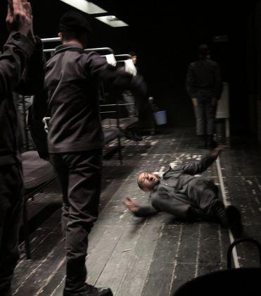 Kenneth Brown, The brig. Regia di Raffaele Esposito. Teatro Due, Parma 2017