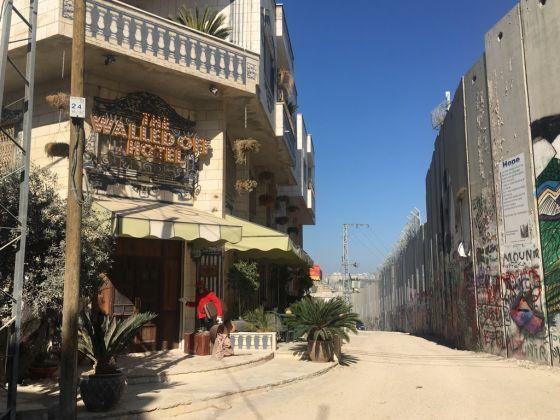 La collocazione del Walled Off Hotel di Banksy. Photo Valentina Rota