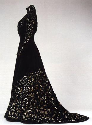 L'abito di Donna Franca Florio conservato a Palazzo Pitti, Firenze