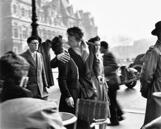 Le baiser de l'hôtel de ville, Paris 1950 © Atelier Robert Doisneau