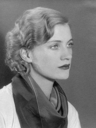 Lee Miller, Self portrait, Parigi 1930 ca. © Lee Miller Archives, England 2017