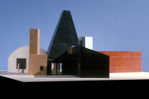 Model of Winton Guest House, Wayzata, Minnesota, Frank Gehry, 1982–1987. Frank Gehry Papers. The Getty Research Institute