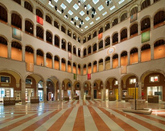 OMA, T Fondaco dei Tedeschi, Venezia