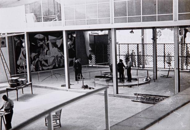 Pabellón de la República Espanola en Exposición internacional de París, 1937. Centro de Documentación, Museo Nacional Centro de Arte Reina Sofía