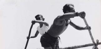 Pietro Donzelli, Delta del Po. Terra senz'ombra. Il traghetto di Forti per l'isola Camerini, 1953 © Renate Siebenhaar Estate Pietro Donzelli Frankfurt a. M.