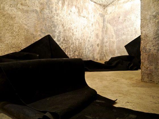 Remi Rough. SOSM. Installation view at Wunderkammern, Roma 2017. Courtesy l'artista