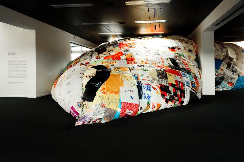 Tomás Saraceno. Aerosolar Journeys. Exhibition view at Wilhelm-Hack-Museum, Ludwigshafen 2017. Photo Erika Pisa