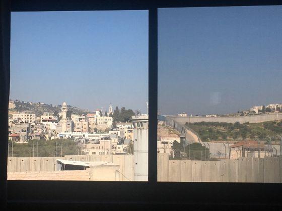 Vista dalla stanza numero 3 del Walled Off Hotel di Banksy. Photo Valentina Rota