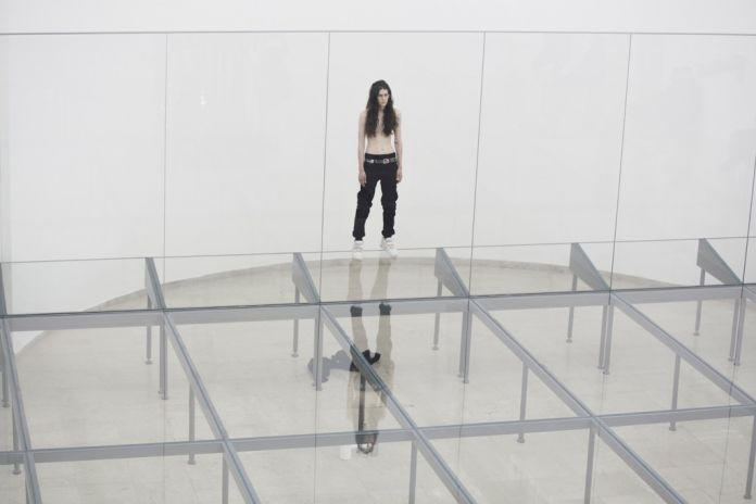 57. Esposizione Internazionale d'Arte, Venezia 2017, Padiglione Germania, Anne Imhof, Faust [Eliza Douglas]. Photo © Nadine Fraczkowski. Courtesy German Pavilion 2017 & the artist