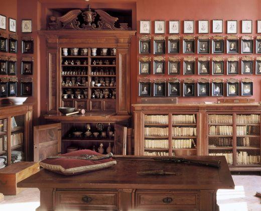 Ariccia, Palazzo Chigi. Farmacia