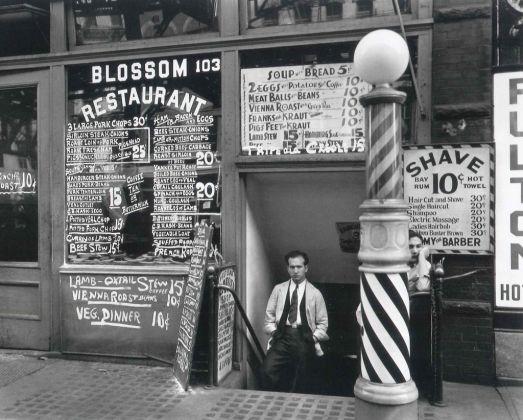Blossom Restaurant, 1935 -® Berenice Abbott