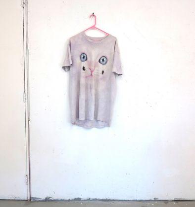 Federico Tosi, Untitled (t-shirt), 2016, T-shirt, rane mummificate, 65x75 cm