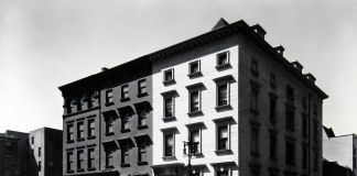 Fifth Avenue Houses, New York, 1936 -® Berenice Abbott