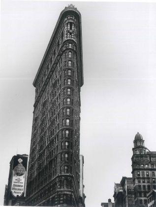 Flatiron Building, Madison Square, New York, 1938 - ©Berenice Abbott