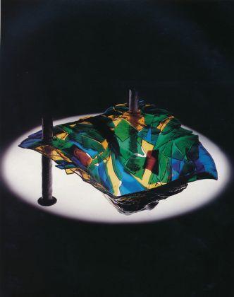 Gaetano Pesce, Chapeau à fragments, 1988-92. Photo Alberto Ferrero