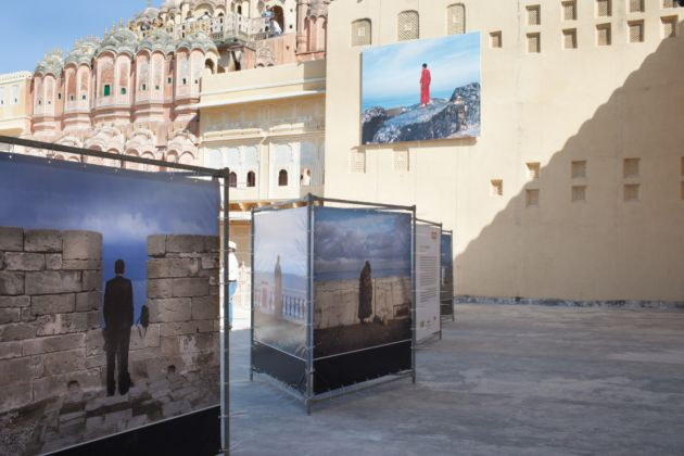 Jaipur Photo Festival 2017. Installation view at Hawa Majal. Photo arco Barbon
