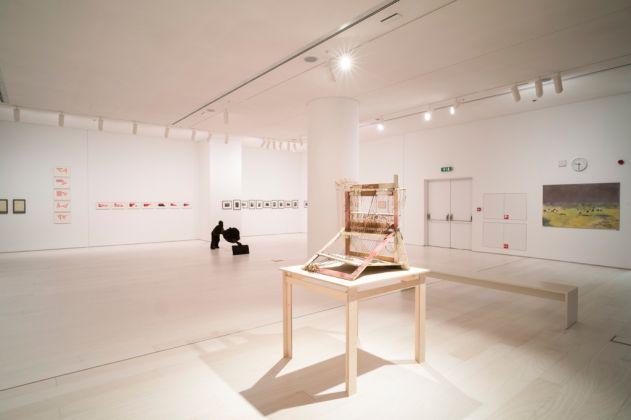 La sala di Maria Lai all'EMST–National Museum of Contemporary Art di Atene per Documenta 14. Photo Mathias Völzke
