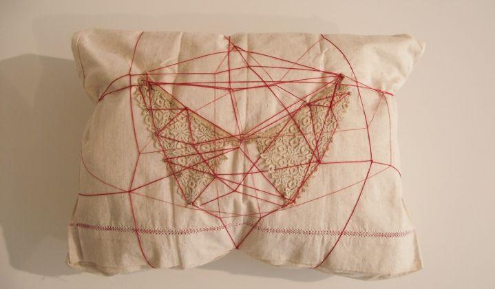 Maria Jole Serreli. Distanze. Installation view at Galleria MCasa, Oristano 2017