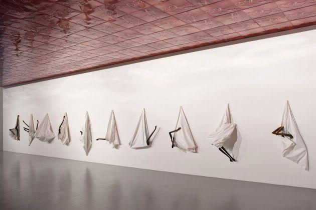 Markus Schinwald. Installation view at Giò Marconi, Milano 2017. Photo Filippo Armellin. Courtesy the artist & Giò Marconi, Milano
