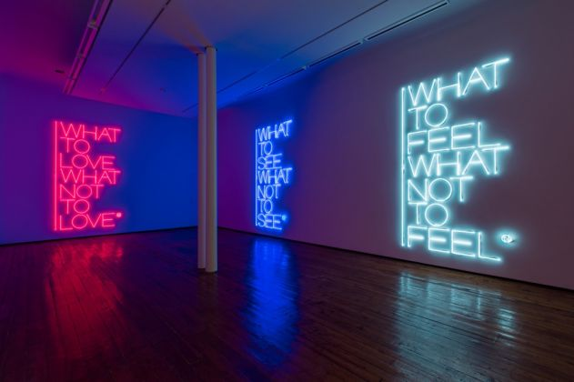 Maurizio Nannucci. What to see What not to see. Installation view at Galleria Fumagalli, Milano 2017. Courtesy l'artista e Galleria Fumagalli, Milano. Photo Antonio Maniscalco
