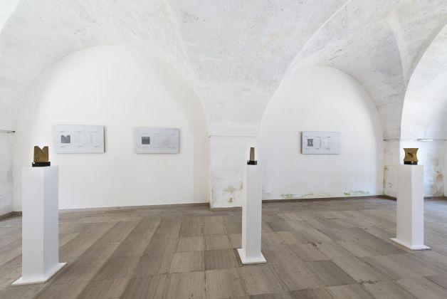 Michele Guido & Aldo Calò. Installation view at Ex Distilleria De Giorgi, San Cesario di Lecce 2017. Photo Sebastiano Luciano. Courtesy Galleria Lia Rumma, Milano-Napoli