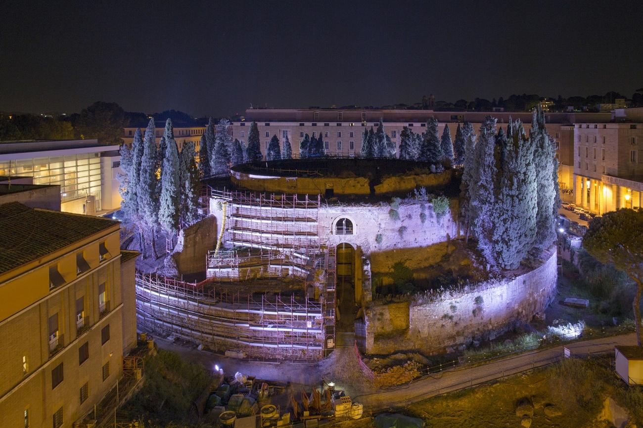 Rinascita del Mausoleo di Augusto, Roma Capitale e Fondazione TIM, notturno