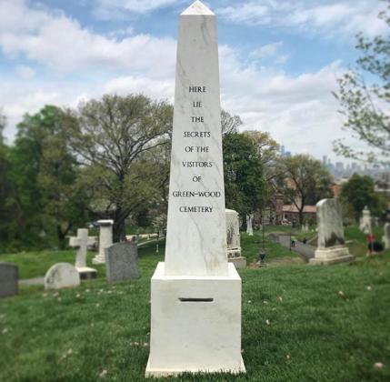 Sophie Calle cimitero di Green-Wood - Creative Time