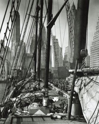 Theoline, New York, 1936 © Berenice Abbott, courtesy Howard Greenberg Gallery