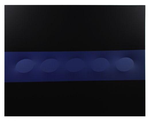 Turi Simeti, 5 ovali blu e nera, 2016