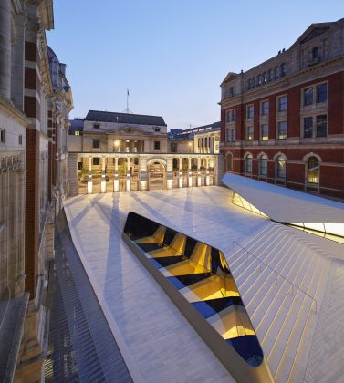 The Sackler Courtyard, the V&A Exhibition Road Quarter, designed by AL_A ©Hufton+Crow