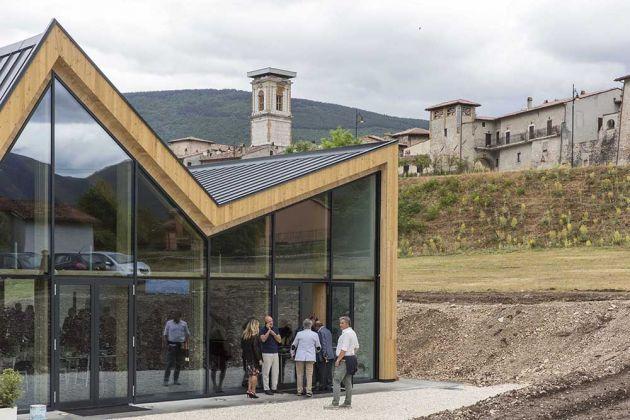 Stefano Boeri Architetti Ricostruzione Centro Italia Padiglione Norcia un aiuto subito, ph. Giovanni Nardi