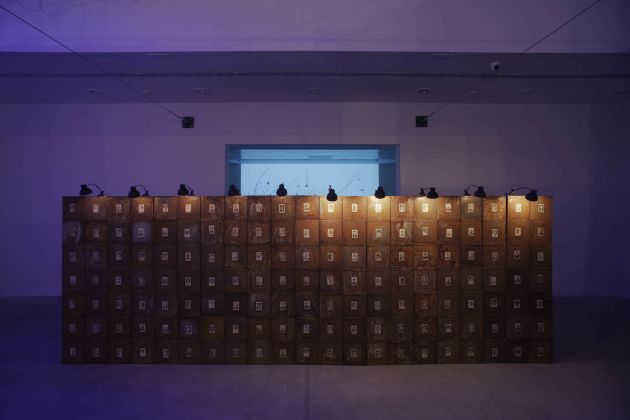 Christian Boltanski Anime. Di luogo in luogo veduta di allestimento presso / installation view at MAMbo – Museo d'Arte Moderna di Bologna, 2017 Photo credit Matteo Monti