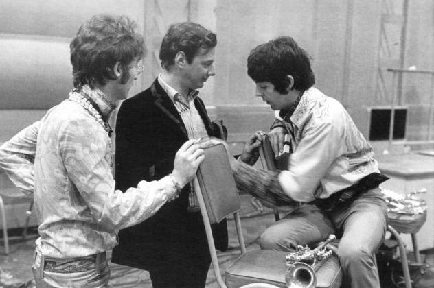 Brian Epstein con John Lennon e Paul McCartney