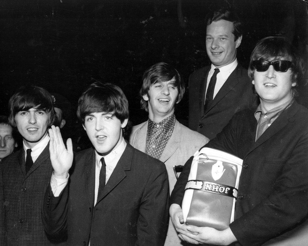 Brian Epstein con i Beatles
