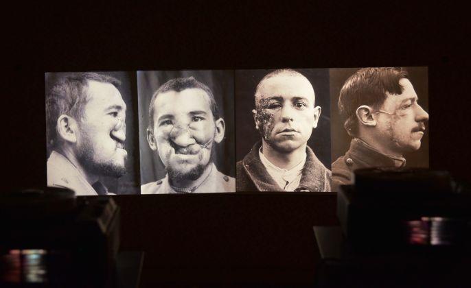 Contemporay Locus 12. Opening at Albergo Diurno, Bergamo 2017. Photo Mario Albergati
