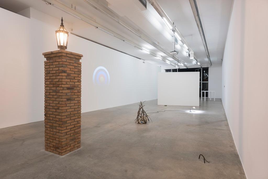 Eduardo T. Basualdo. CasiNo. Exhibition view at Galeria Luisa Strina, San Paolo 2017. Photo Edouard Fraipont