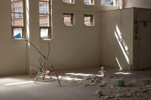 Felure Failure of the Matter. Vista dell'installazione presso tailleurs D'Images, L'Ambassade, Bruxelles (2)