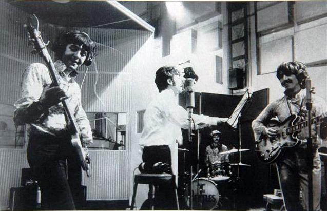 I Beatles in studio nel 1967