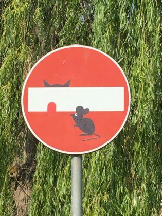 Interventi di Clet Abraham a Monteriggioni, photo by Luca Betti