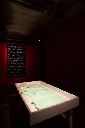 Maurizio Vetrugno. Scagliando si impara (poems 1976 1979 & costume punk percussion). Installation view at Guido Costa Projects, Torino 2017. Photo Maria Bruni