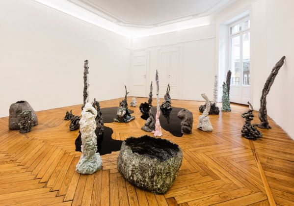 Salvatore Arancio, And These Crystals Are Just like Globes of Light. Installation view at Federica Schiavo Gallery, Milano. Photo Andrea Rossetti