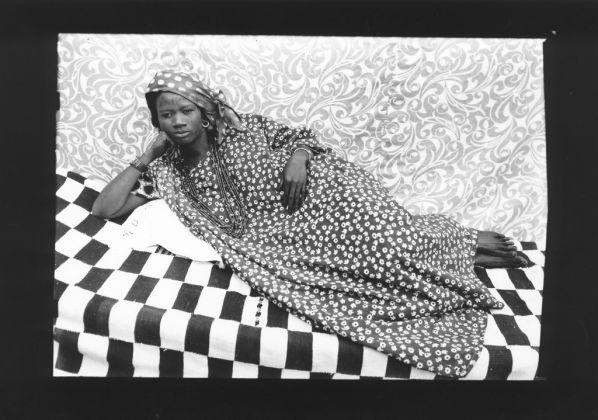 Seydou Keita. Courtesy CAAC-The Pigozzi Collection, Ginevra