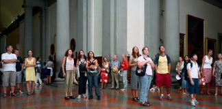 Thomas Struth, Audience 4 (Galleria Dell'Accademia), Firenze, 2004