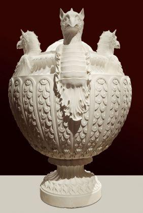 Vaso con tre grifoni, disegnato da Giovanni Battista Piranesi, Venezia Fondazione Giorgio Cini, prodotto da Factum Arte, 2012, marmo