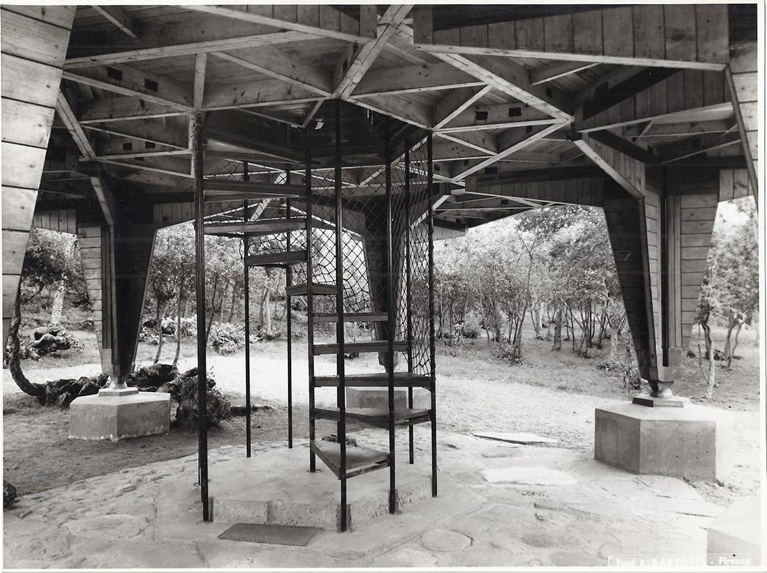 Vittorio Giorgini, Casa Esagono, 1957, Baratti (LI), dettaglio della scala, Courtesy Associazione B.A.Co. – Archivio Vittorio Giorgini