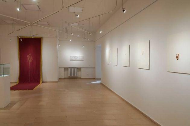 Walter Valentini e Giovanni Gaggia. Del filo e del segno. Installation view at Galleria Bramante, Fermignano 2017. Photo Natascia Giulivi