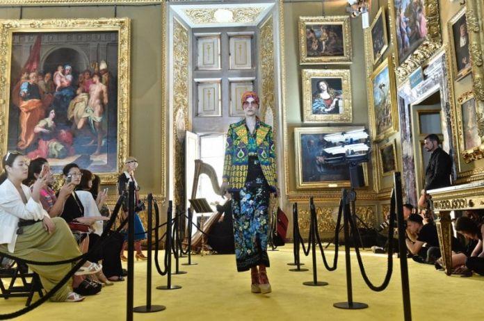 La sfilata di Gucci nella Galleria Palatina di Firenze