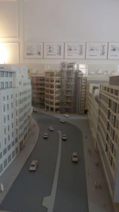 I plastici visionari esposti in Fondazione Norman Foster